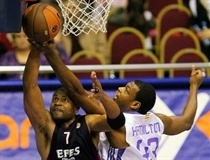 Charles Smith - Efes Pilsen