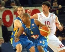 Derrick Sharp - Maccabi Elite