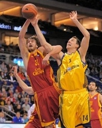 Simas Jasaitis - Galatasaray Cafe Crown (photo albaberlin.de)