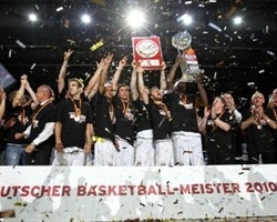 Brose Baskets Champ German League 2010 (photo beko-bbl.de)