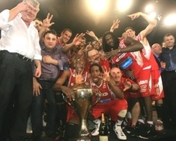 Spirou Basket champ Belgian League 2009-10 (photo spiroubasket.com)