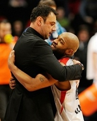 Coach Trifunovic and El-Amin celebrates - Lietuvos Rytas