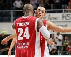 P.J. Tucker, Karsten Tadda – Brose Baskets (Photo brosebaskets.de)