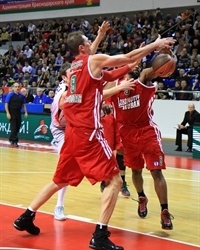 Kelvin Rivers and Primoz Brezec - Lokomotiv Kuban (photo lokobasket.com)