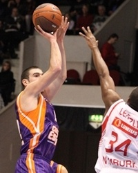Nando De Colo - Valencia Basket (photo CEZ Nymburk)