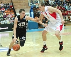 Dairis Bertans - VEF Riga (photo basket-nymburk.cz)