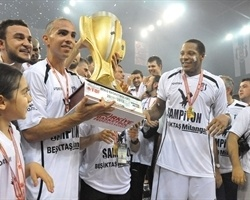 Besiktas Milangaz is 2012 Turkish champion (Photo bjk.com.tr)