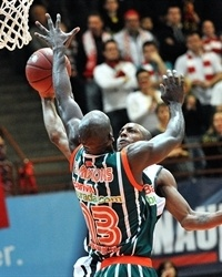 Keith Simmons - Banvit BK - EC12 (photo s.oliver Baskets)