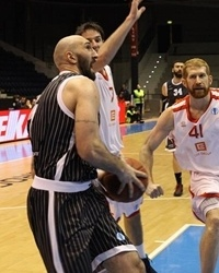 Milovan Rakovic - Uxue Bilbao - EC12 (photo basket-nymburk.cz)