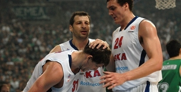 Players CSKA Moscow celebrates - EB12