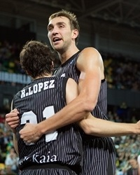 Raul Lopez and Axel Hervelle - Bilbao Basket - EC13 (photo Bilbao Basket)