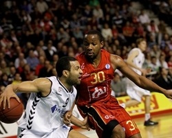 Chris Lofton - Besiktas Integral Forex - EC13 (photo Esther Casas - CAI Zaragoza)