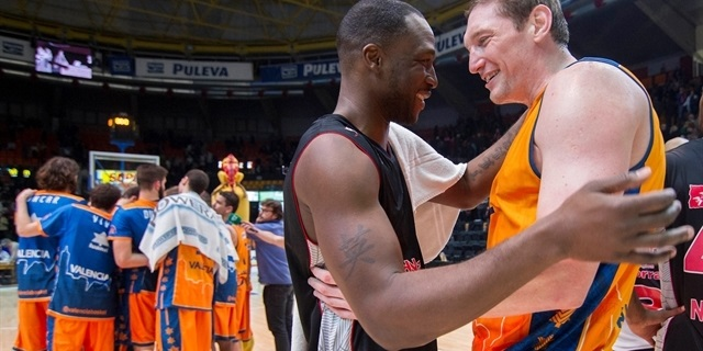 Florent Pietrus - SLUC Nancy with Serhiy Lishchuk - Valencia Basket - EC14 (photo Vaslencia Basket - Miguel Angel Polo)