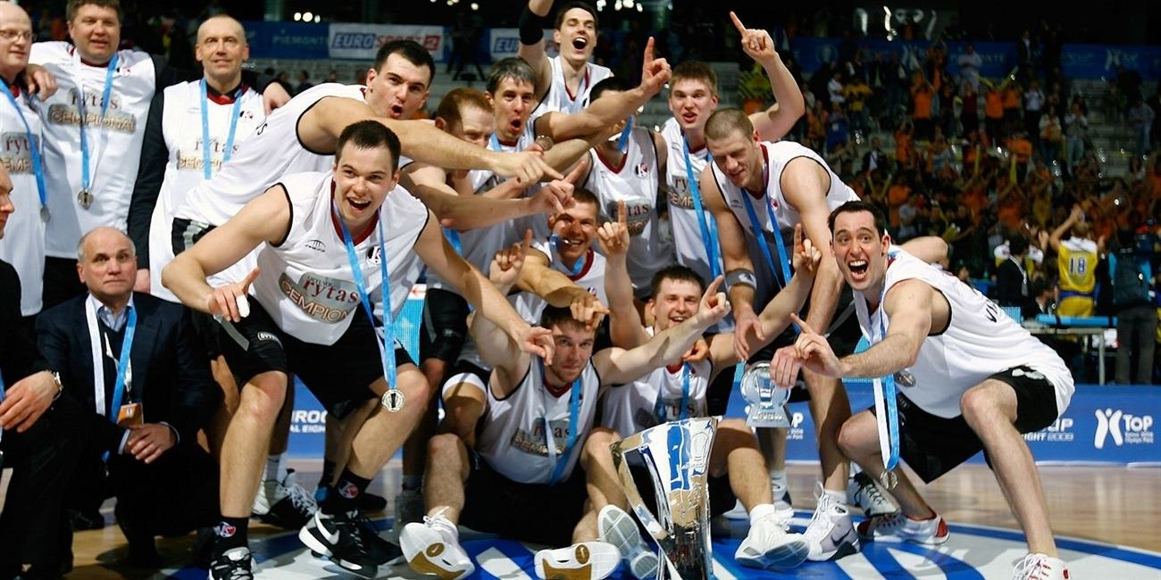 Lietuvos Rytas celebrates 2008-09 Eurocup Champ - Final Eight Turin 2009 - EC08