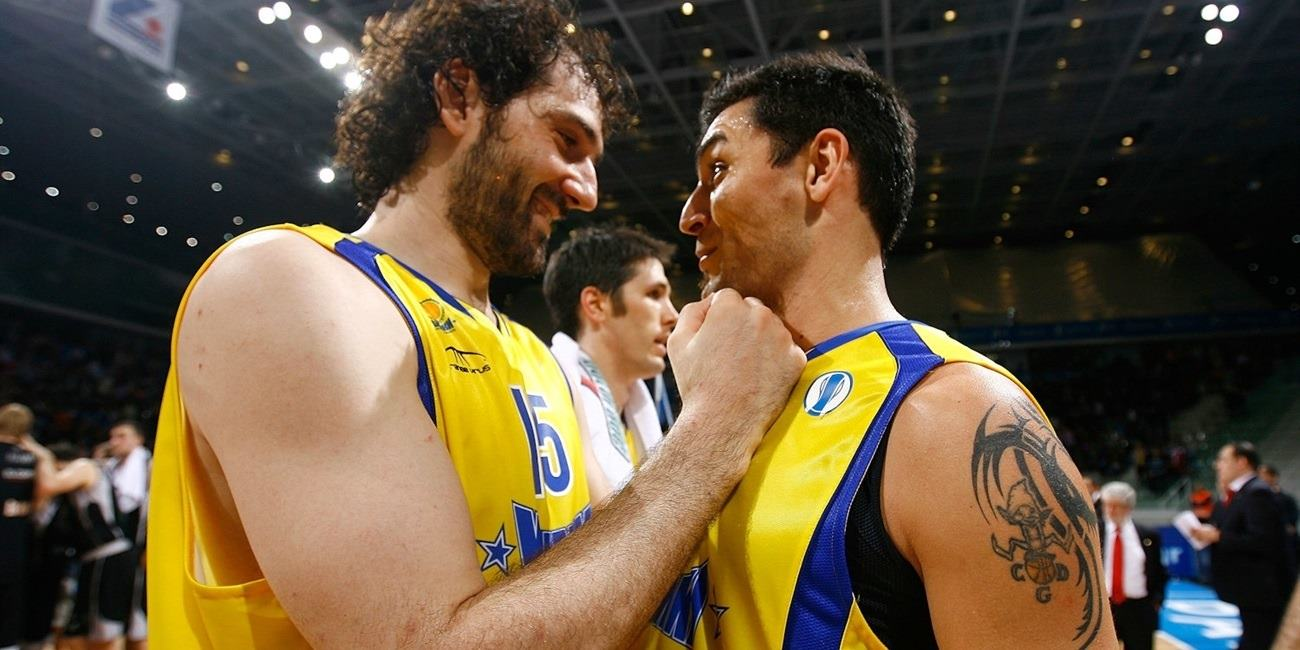 Carlos Delfino and Jorge Garbajosa celebrates - BC Khimki - Final Eight Turin 2009 - EC08