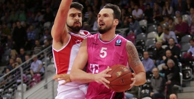 Dirk Madrich - Telekom Baskets Bonn - EC14 (photo Jörn Wolter - Telekom Baskets Bonn)