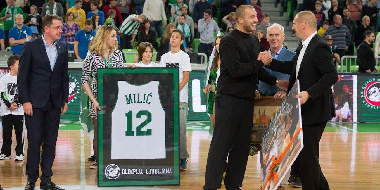 Olimpija retired Marko Milic 12 number in a brief ceremony before the game - EC15 (photo Union Olimpija)