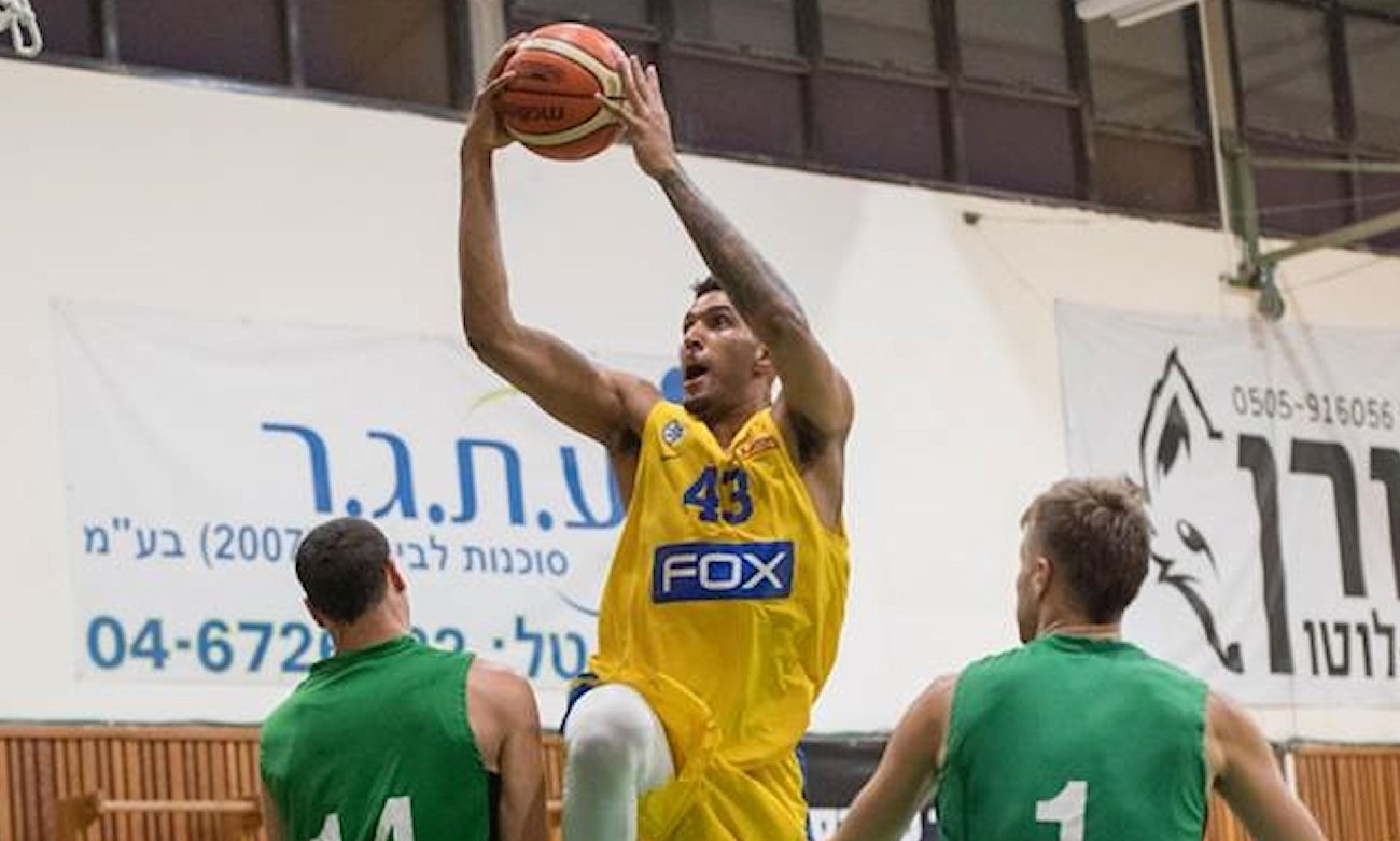 Jonah Bolden - Maccabi FOX Tewl Aviv in Preseason 2017-18 (photo Maccabi) - EB17