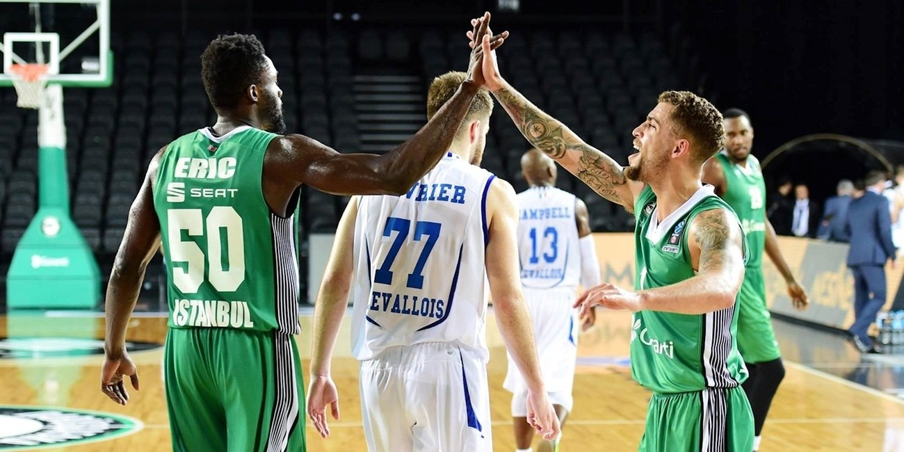 Scottie Wilbekin celebrates - Darussafaka Istanbul (photo Darussafaka) - EC17