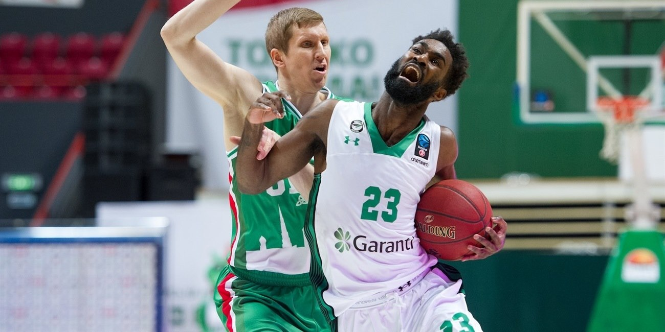 Howard Sant-Roos - Darussafaka Istanbul (photo UNICS) EC17