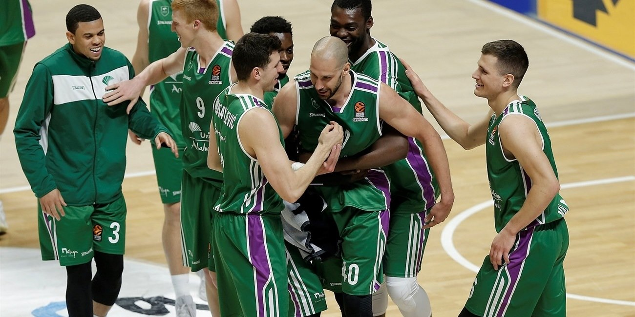 James Augustine celebrates - Unicaja Malaga - EB17